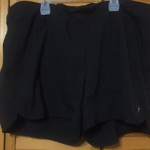 Old Navy Active shorts size XL w/sewn in panty
